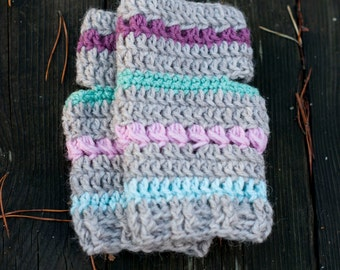 Crochet arm warmers wrist warmers in gray with pastel stripes in pink turquoise purple turquoise and green