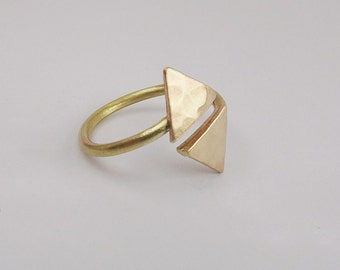Gold triangle ring, hammered triangle ring, gold brass geometric ring,double triangle ring