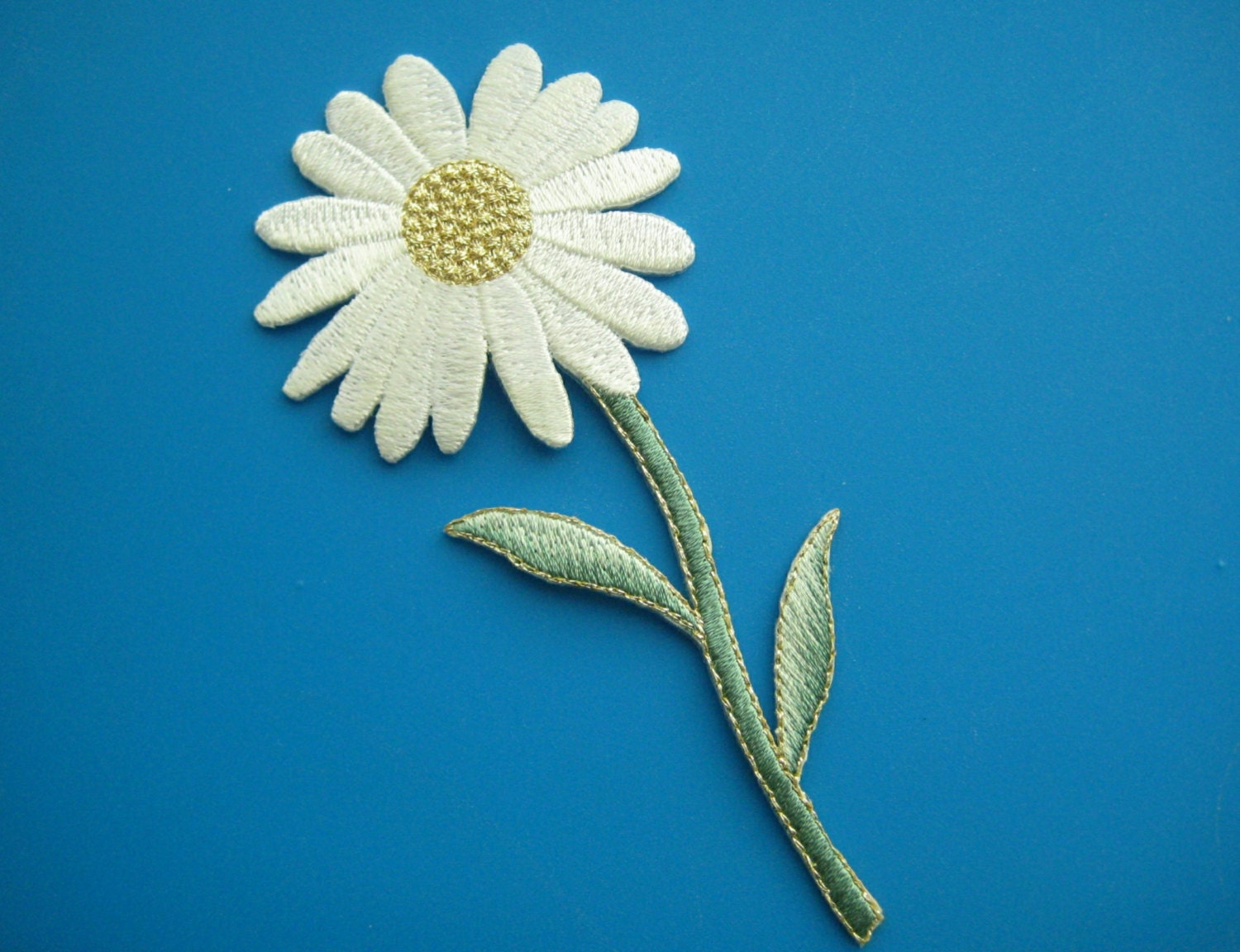 Iron on embroidered patch white daisy flower inch by