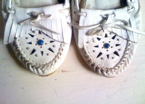 white leather moccasins - size 7