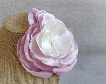 Flower Brooch in Sweet Lilac Ombre