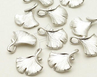 PD-794-MS / 2 Pcs - Ginkgo Leaf Charm Pendant, Matte Silver Plated over Brass / 14mm x 17mm