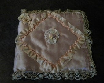 x Antique Pink Hanky Holder with cute Ribbonwork inside triangle Ruffle (FF231)