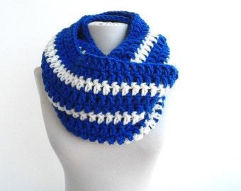 Blue crochet cowl chunky scarf infinity scarf loop scarf unisex women men winter scarves college scarf team scarves blue white crochet scarf