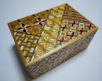 Japanese Puzzle box (Himitsu bako)- 4.5inch(115mm) Standard Open by 10steps Yosegi