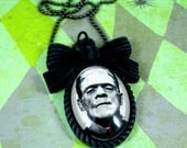 CLASSIC HORROR NECKLACE-Frankie's Face Bow Cameo