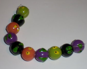 Halloween Glass Beads - Set of 10 - Silly / Scary Eyes