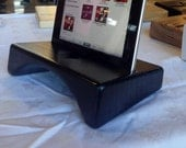 Black Sounder, the wooden iPad stand - iPad dock natural amplifer that doubles the volume, now in black