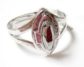 Whiting Davis Co. Bracelet Signed Hematite Vintage Clamper