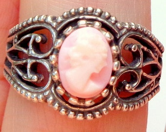 Hand Carved,Conch Shell Cameo Ring,Antique Italian Cameo,Sterling Silver Ring,Vintage Cameo,Pink Cameo Ring,Carved Pink Shell,OOAK