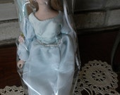 Vintage Avon Fairy Tale Cinderella Porcelain Doll
