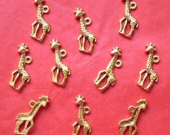 SALE, GIRAFFE Charms x 10 antique gold tone charm, UK seller, reduced, was 1.45, now only 1 pound while stocks last