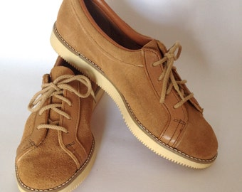 Vintage 1970s Women's Suede Leather Oxfords | Size 7.5 | Deadstock