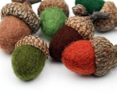 Felted Wool Acorns - Shades green and brown - Set of 6