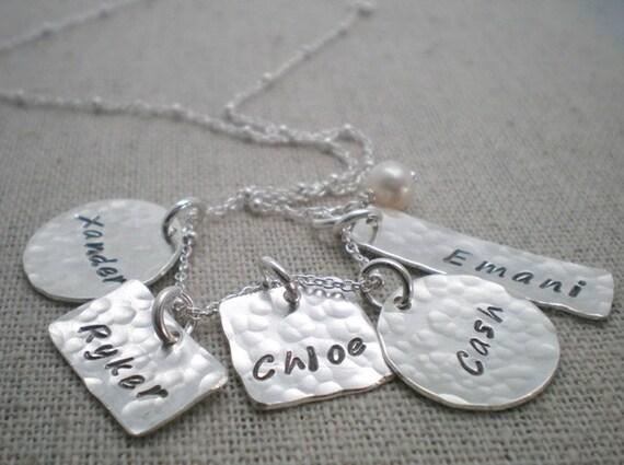 5 kids name mothers necklace children 39 s name necklace. Black Bedroom Furniture Sets. Home Design Ideas