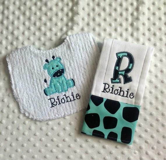 Baby Boy Personalized  Gift Set  - Bib and Burp Cloth,Jungle Bundle Baby Giraffe