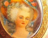 Antique vintage Victorian lady portrait cameo locket pendant