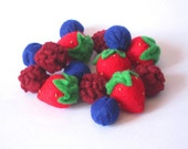 Felt Food Berries set (strawberry raspberry blueberry) eco friendly children's pretend play food for toy kitchen