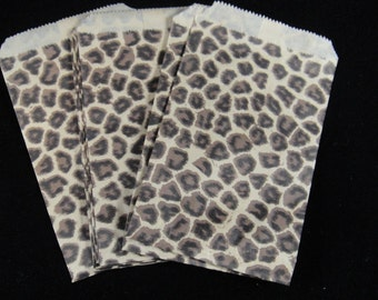 Small Cheetah Print Favor Bags, Candy Bags, Bakery Bags, Paper Bags, Birthday Parties, Packaging, Baking Supply, Wedding - Qty 12