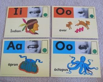 Large Phonics Flash Card Poster - Circa 1972 - Apron Over Octopus