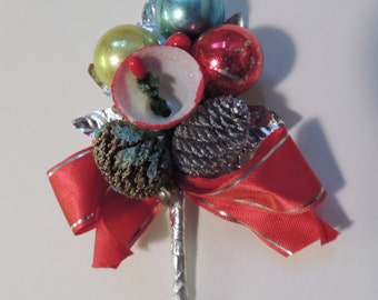 1950s CHRISTMAS Corsage Decoration made in Japan