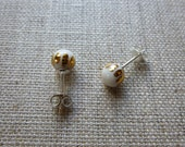 Luster Crown Round Stud E...