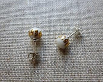 Luster Crown Round Stud Earrings