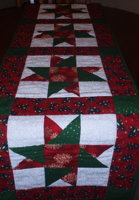 Free Printable Christmas Table Runner Quilt Patterns : Star Pattern Christmas Table Runner by PegsPatchesandPurls on Etsy