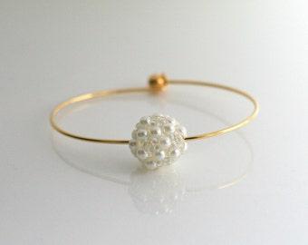 White pearl and gold bangle - PEARL BALL BANGLE