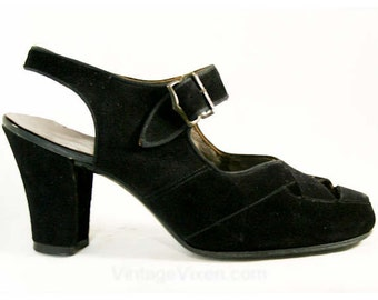Cute 1940s Black Suede Criss-Cross Peep Toes - Size 5.5 C - Shoes - Pumps - Deadstock - Fall - Cutaway Details - Mint Condition - 40331-1