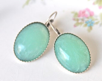 Vintage Mint Green Jade Oval Glass Silver Plated Drop Dangle Earrings -  Wedding, Bridal ,Bridesmaid, Beach
