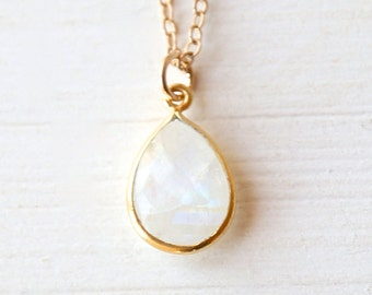Full Moon - A Modern Moonstone Pendant Necklace - Simple everyday delicate jewelry