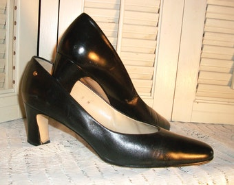 """VINTAGE AIGNER Shoes/HEELS, """"Taylor"""" - Black Classic 2.5"""" Heel, Made In Spain, Size 9, Gently Worn & Beautiful"""