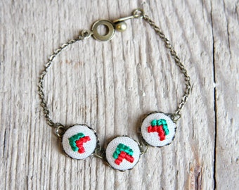 Christmas jewelry  - arrow bracelet - embroidered jewelry - red and green - br006red