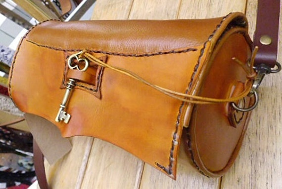 Handmade leather bags thailand