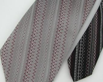 Vintage Necktie Wemlon Wembley Zig Zag Dots Maroon Gray Wht Texture 60s 70s Men Neck Tie V1-13