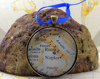 Italy Map Christmas Ornament, Keep a memory Alive / HONEYMOON Gift / Wedding Map Gift / Travel Tree Ornament / Corporate gift