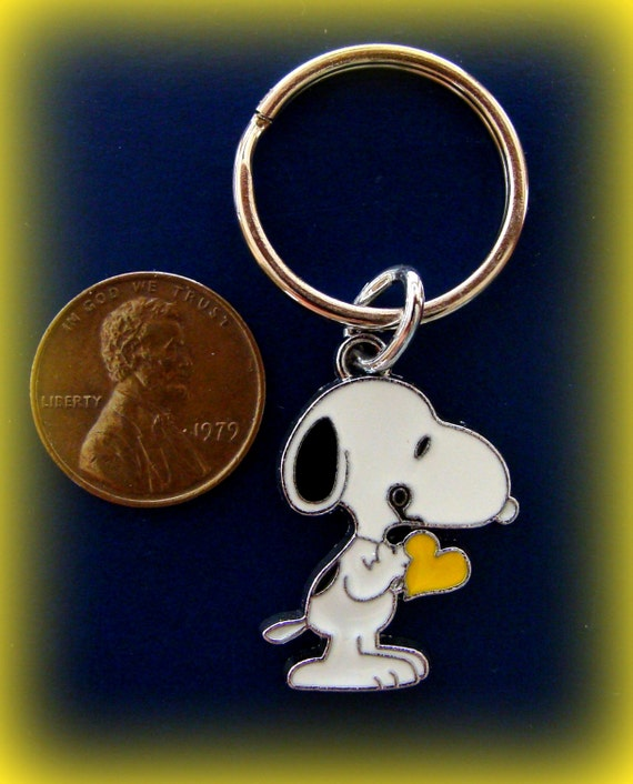 snoopy peanuts character keychain jewelry by