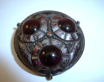 Queen of Diamonds glass cab brooch