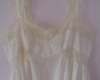 1940's Full Slip, Cream Lace, By Barbizon, Garden Dress SALE