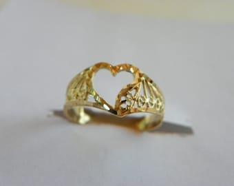 14k Gold Filigree Ladies Ring
