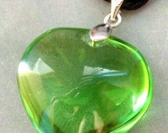 Fashion Jewelry Apple Green Glass Love Heart Pendant 25mm x 25mm  S182