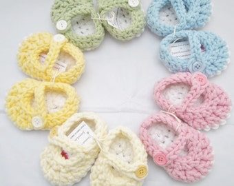 Babie Girl Booties, Maryjane Shoes, Crocheted Baby Booties, Bulky Yarn- 0-3, 3-6 months.