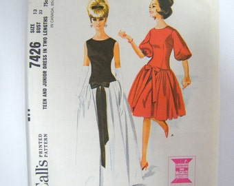 Vintage 1960s Dress Pattern / McCall's 7426 Teen and Junior Dress in Two Lengths / Prom Pattern / 33 Bust