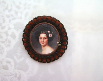 brown brooch with lady portrait - lightweight museum brooch - brown felt portrait brooch - brown felt victorian style brooch - gift for her