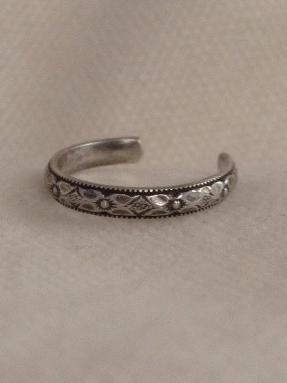 Diamond Flower Pattern Sterling Silver Toe Ring. Eco Friendly