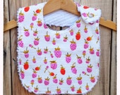 Chenille berry baby bib with pearl snap - pink/lavender & red