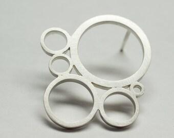 Modern circles motif earrings