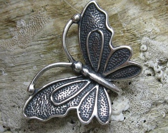 PE000760 Stylish Sterling silver pendant   solid 925 butterfly new