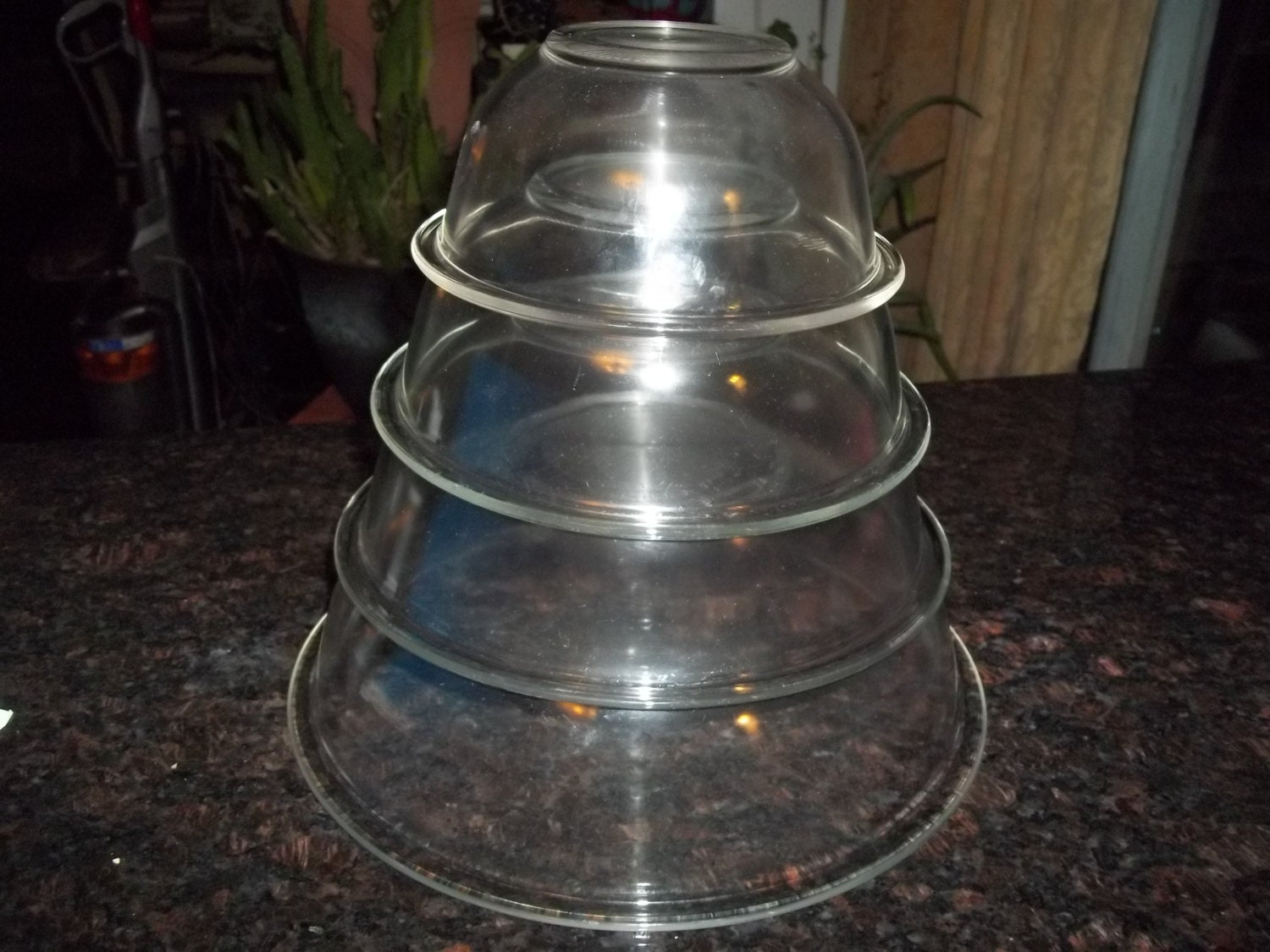 full set of 4 pyrex clear glass mixing bowl. Black Bedroom Furniture Sets. Home Design Ideas